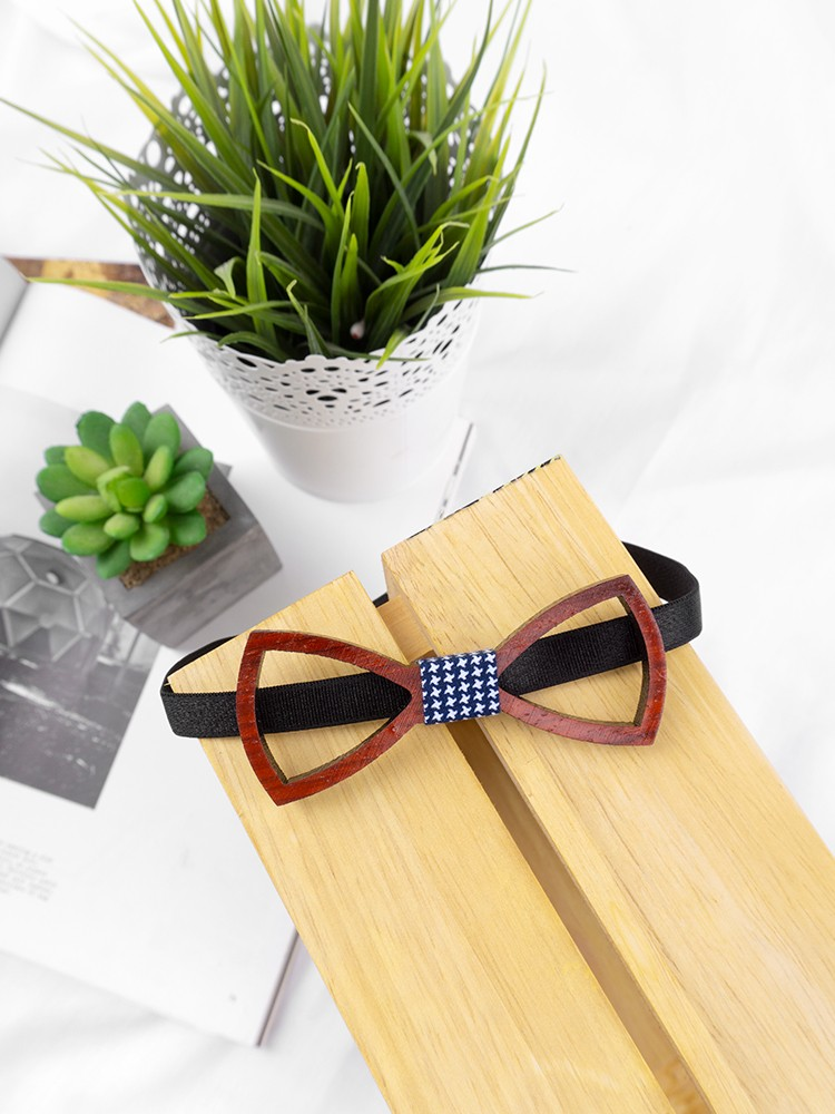 KEVIN WOODEN BOW TIE